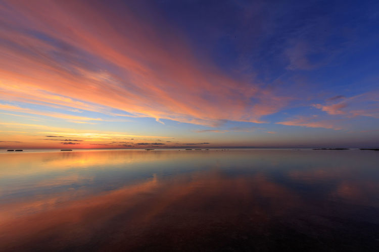 Sunset as seen from Neptuni fields at the northern part of the Swedish island Öland Colors Reflection Sweden Clouds Clouds And Sky Colorful Sea Summer Sunset Vibrant Color Öland