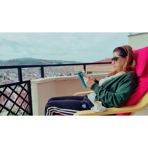 Kitaplar iyi ki var 📚💺☕🙇 Hello World Book Kitap Kitaplariyikivar Kitapkurdu Kahve Manzara Huzur Relaxing Bursa / Turkey Bursa