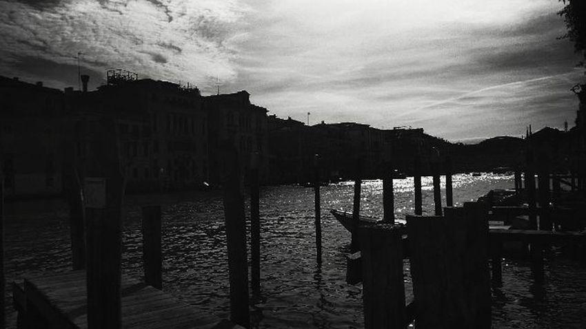 Ho sbagliato strada. Dinuovo Nonhounsensodellorientamentocosìforte Venice Zatteredovecazzosei Instaghesboro Blackandwhite Thathashtagtho LCStories