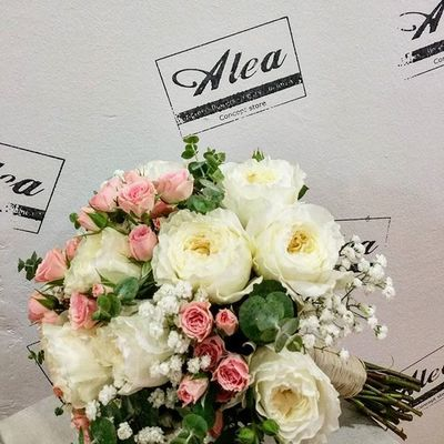 Bridal Bouquet by Alea with David Austin Roses. @david_austin_roses Alea Bridalbouquet RamoDeNovia Bodas Bride Rosas Roses Davidaustin Davidaustinroses Bouquetsposa Bouquet Patience Romantic Chic Beautiful Lovely Bouquet Vigo Instavigo SPAIN Galifornia Lovemyjob