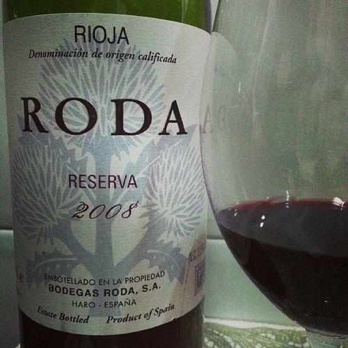 Porqueyolovalgo hoy elijo Roda Reserva 2008 de @Bodegas_Roda Rioja . Soberbio . He elegido un Platodecuchara Alubiasblancas para la Armonia