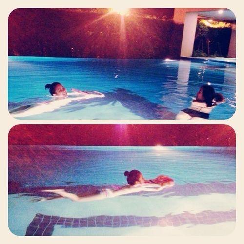 สอนเเอมว่ายน้ำ ท่ากบ 555
