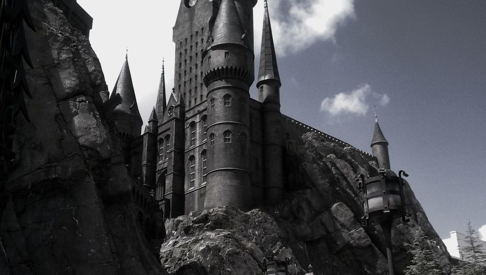 Castle Hogwarts School Of Witchcraft And Wizardry Harry Potter Architecture Harry Potter Studios Wizardry Magic