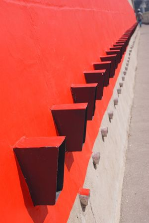 rouge, red, rojo, roso Le Mur The Wall Colors Of My Life Red Rouge Amazing Place Amazing Building Amazing Architecture La Maison Du Fada La Cité Radieuse Le Corbusier 20th Century Marseille Je T'aime The Way I See Things Where I Live No Edit/no Filter Fine Art Photography UNESCO World Heritage Site Unesco World Heritage Showcase July Colour Of Life Pivotal Ideas Minimalist Architecture The Architect - 2017 EyeEm Awards EyeemInMarseille