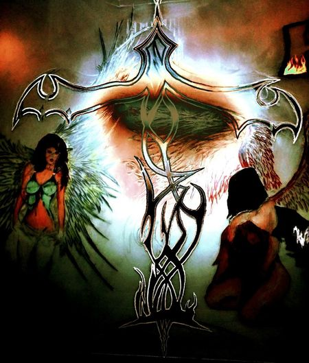 This is a pic that I drew on a T.V. screen and then dumped my imagination on it. I hope you like, it's my Libra scale Artmash Artofvisuals Art, Drawing, Creativity Myself ArtWork Color Photo Pencil Drawing Oringinal Beauty LIBRA Libra♎ Good Vs Evil Angels Light And Shadow