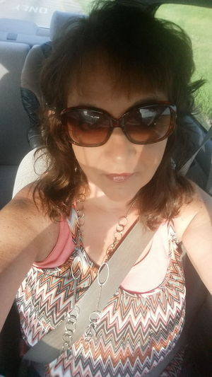 Have a wonderful weekend Hanging Out Taking Photos That's Me! Cheese! Hi! Streamzoo Family Mylife Texas SaturdaySelfie My Point Of View Richwood Texas Women Of EyeEm Self Portrait Shades