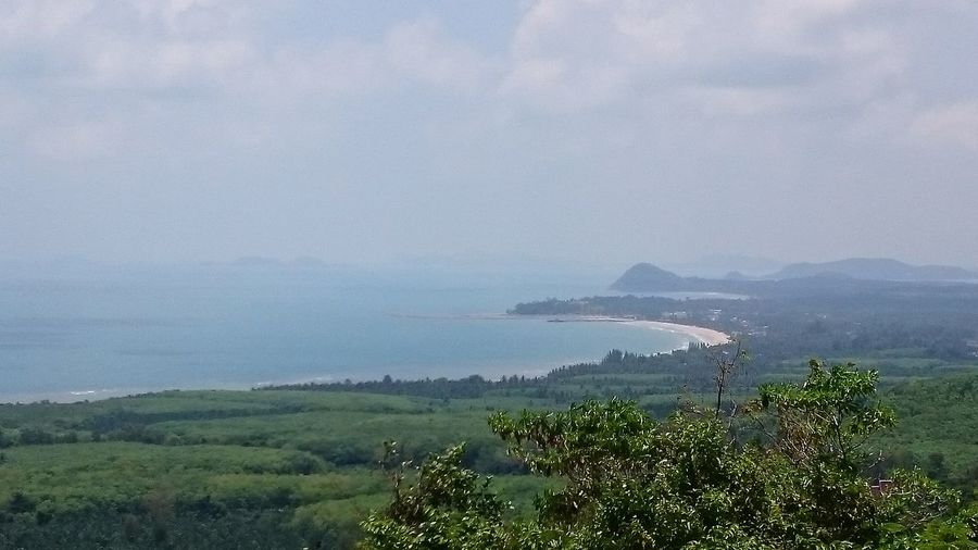 Khao Dinsor is a mountain beside the road leading from Chumphon to Pathio, about 7km before reaching Pathio. Khaodinsor, Chumphon Thailand Viewpointchumphon Berg, Chumphon Fotography Hotos Nature Photography 360view Sony Xperia Z3 Eyemphotos Naturephotography Landschaftsfotografie My Gallery Fotos By Primme Primme@Reist Colors Of Nature Golf Von Thailand 2016 Beautiful Day Shooting My Gallery Fotos By Primme