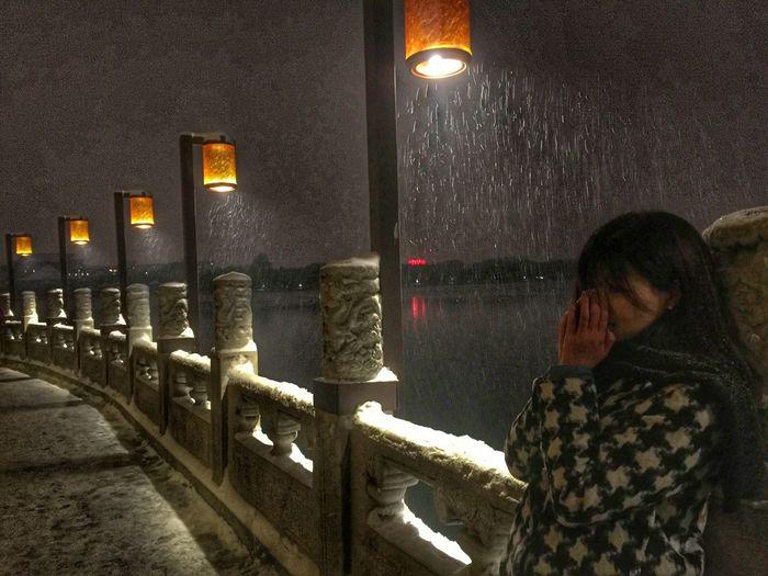 灯火阑珊 等一个人 雪 夜