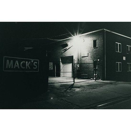 Nightlights Filmphotography Nofilter Kodak Nightphotography Analog Macks Filmisnotdead Streetphotography Lensflare Aftermidnight Thecitysleeps