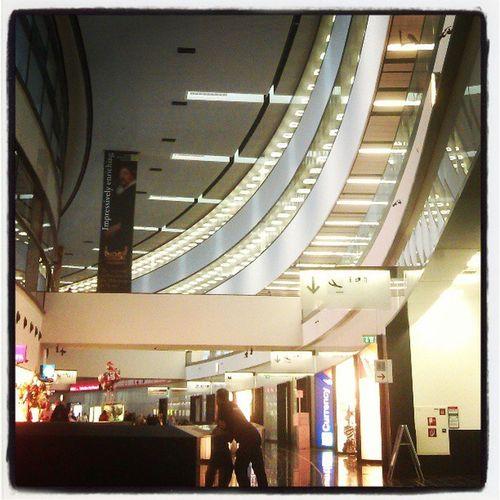 Vienna Airport BacktoHH Time tosaygoodbyeSeeyouSpinWienFlughafen