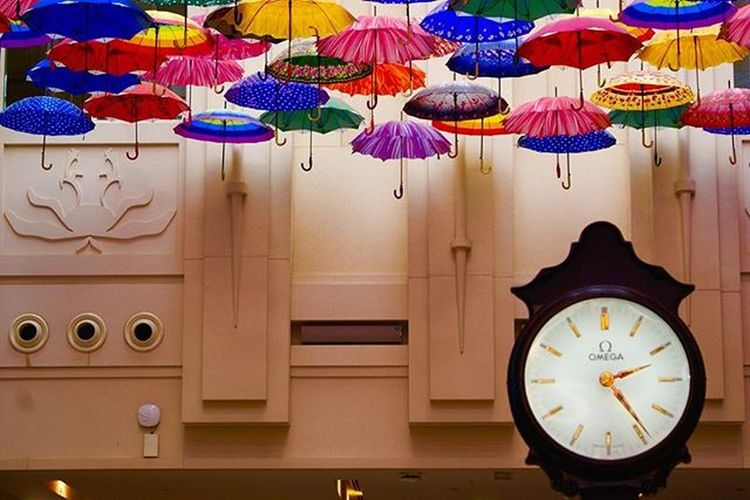 Time is Gold, Clock is Gold. Thevillage DubaiMall Downtowndubai Dubai UAE