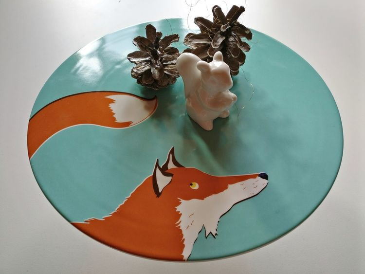 Plate Indoors  No People Food Painted Image Squirrel Fall Xmas Table Decoration Decor Decorative Fox Foxes Autumn Interior Table Decoration Cakestand Cake Plate étagère Table Setting Art And Craft Cute Orange Interior Design
