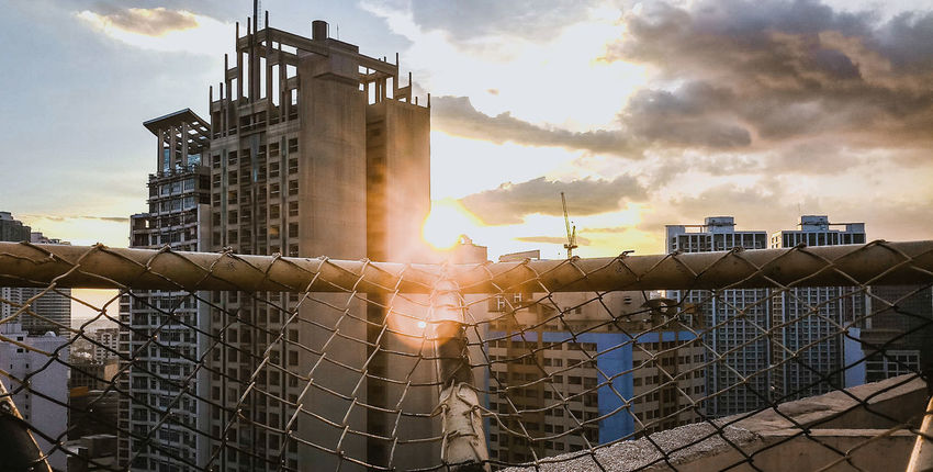 Catching Sun Sunset Golden Hour Rooftop EyeEmNewHere Fence Chainlink Office Building Emitting