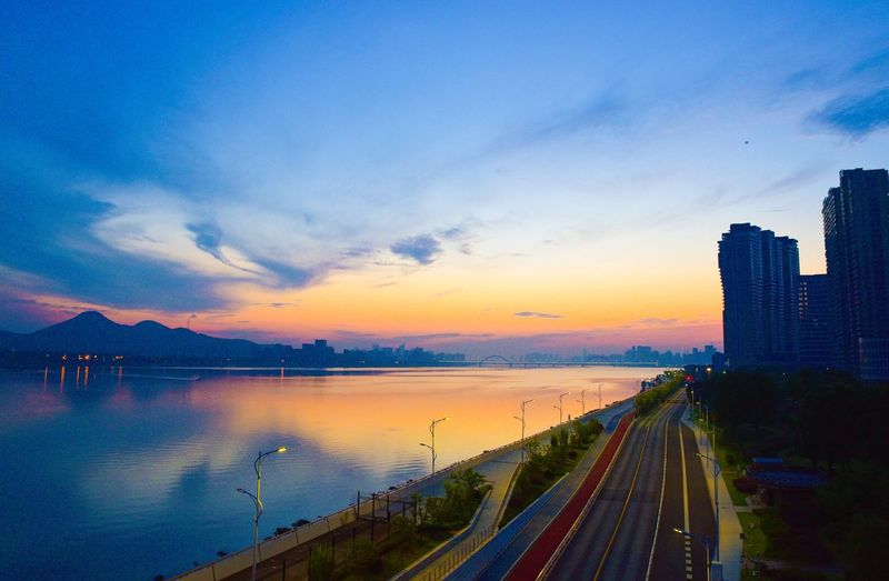 Hangzhou Qiantang River Morning Sunrise