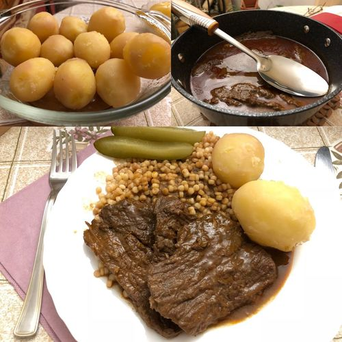 Családi vacsora, Anyunál 😋🤗 Beef Goulash Baked Potato Potato Marhahús Gulyás Goulash Beef Budapest, Hungary Dinner Food And Drink Freshness Healthy Eating Table Bowl Plate No People Close-up Ready-to-eat