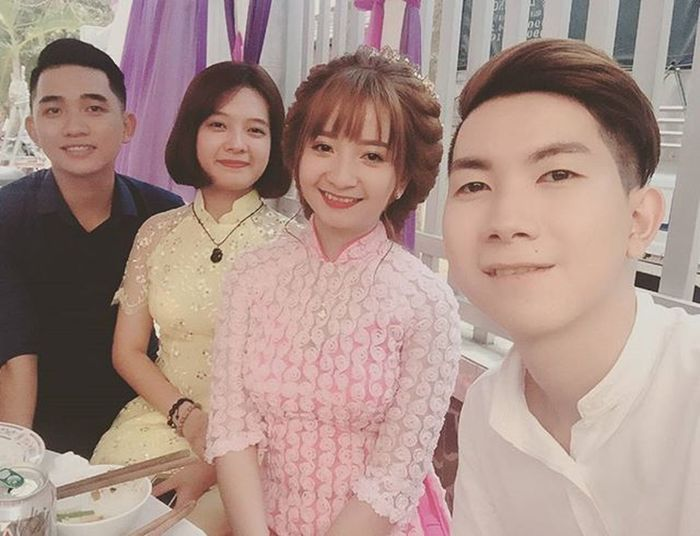 "E gái đi ""chống lầy "" 😊 Vietnamboy Vietnam Boy Chinaboy Asian  Selfie Beauty Boys Cool Followme Funny Happy Heart Hot Instaman Male Males  Man Me Men Great Wedding Sister"
