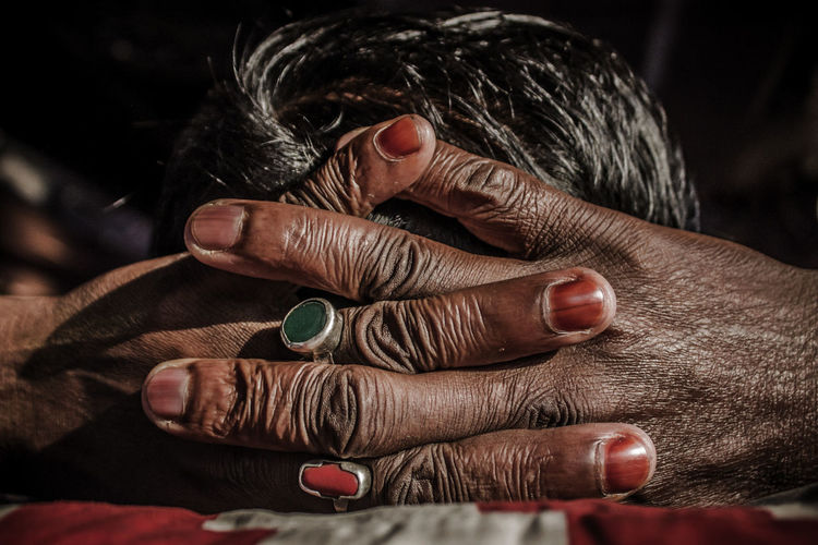 Hand Human Hand Finger Close-up Lifestyles Human Finger Hands Ring People Body Part Rings Rings 💍 EyeEm Best Shots Streetphotography EyeEm Selects people and places Bangladesh Chittagong Fahimz7 EyeEm Gallery EyeEm Masterclass Eyeem Market Local Bus Bus Passenger
