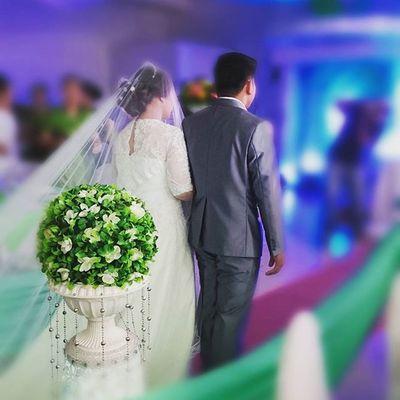 THE G and V WEDDING. Along the aisle. 🎊 💒 💏💑💞💖👍👌 😁😍 TheBnanaswedding RoadToForever Bestwishes Storyoflove Weddingbells GerrelAndVanesaNuptials 02032016 Sonyverse Sony XPERIA ICAN DemandGreat BeMoved Makebelieve PlainHappiness