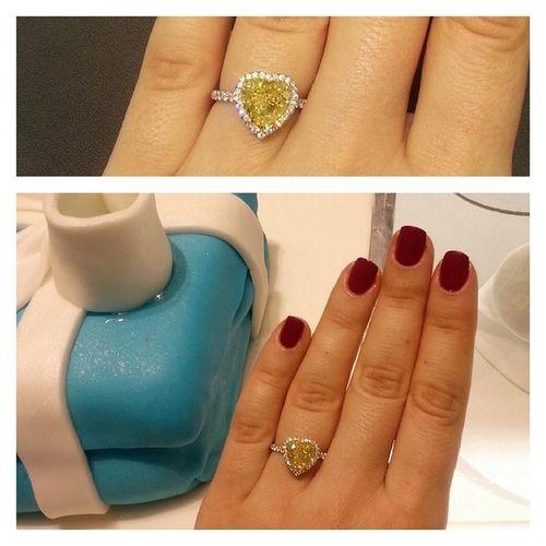 Tiffanyco Sarı Pırlanta ları yazdım. Bugun okuyunuz😍💎Mücevher Highjewelry Yellowdiamonds Soleste Tiffanybluebook Tiffanycoturkey Tiffanyzorlu Heartshape Kalp Instadiamonds Instalike Jewellery Jewellerylover