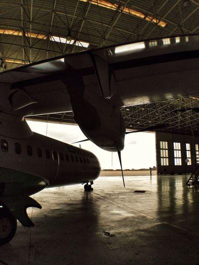 Aircraft ATR72 Binter Technic Hangar