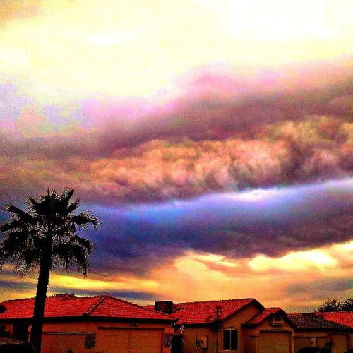 Instagramaz Glendaleaz Beautifuldays Cloudydays Cloudporn Houses Sunsets @arizonaskies @sunsetsgram Citylifeinaz Palmtrees Crazyclouds Cloudsoncloudsonclouds Natureyoucrazy Overcast Instasky Instaclouds