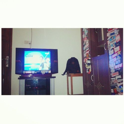 relaXXX all day on my room !