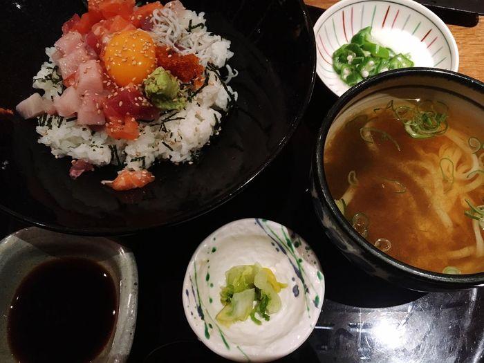 就活で淀屋橋 うおまん 海鮮丼 うどん 大阪 OSAKA Lunch ランチ 昼ごはん Seafoods