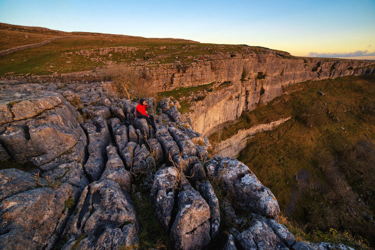 My Year My View the edge. at the malham cove Nature Outdoors Landscape People Day Beauty In Nature Sunset Sky Eyeemphoto Always Be Cozy EyeEm Masterclass Beauty In Nature Today's Hot Look People And Places Illuminated Wild Light And Shadow
