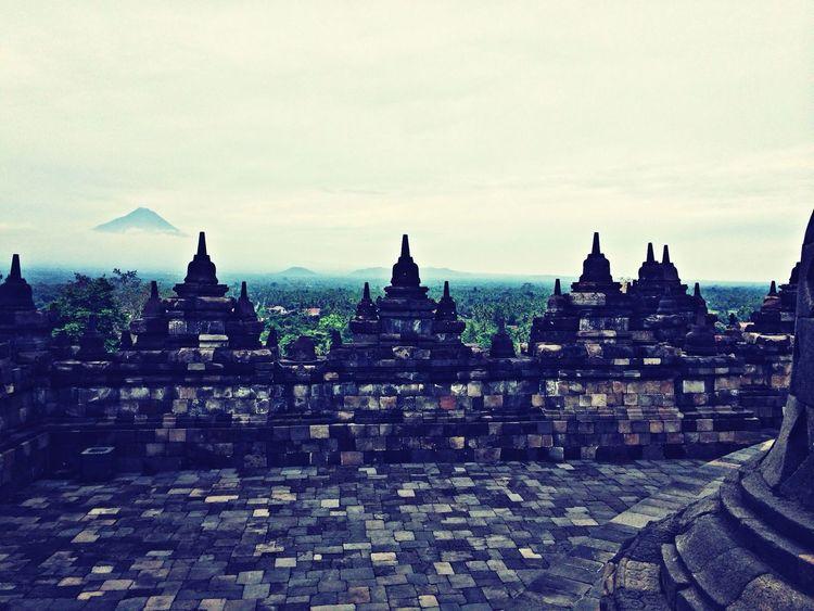 Traveling INDONESIA