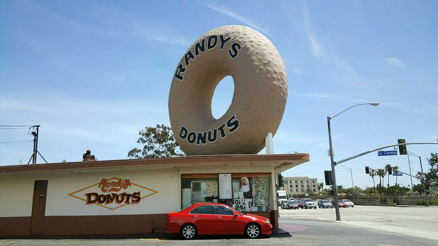 I know this has been photographed a 1000 times over, so here's another one! Donuts! Randy's Donuts a Southern California Image Iconic Landmark Really Big Donut! LA Staple Vacation Photos   EyeEm Best Shots EyeEm Gallery Eyeem Eyeemphotography S6 Mein Automoment