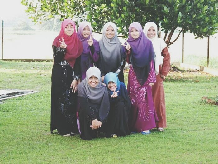 just for a while, our friendship have been brake up. But I still remember our memories together. Alaays in my memory ♥ islam Muslimahtoday Maktabmahmudlangkawi