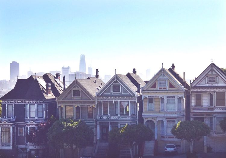 EyeEm Selects Painted Ladies San Francisco Tourist Destination Architecture Building Exterior Built Structure Clear Sky No People Outdoors Day City Victorian Home Postcard Row Cityscape Tree Morning Sky Colors Edwardian Architecture Alamo Square San Francisco Skyline