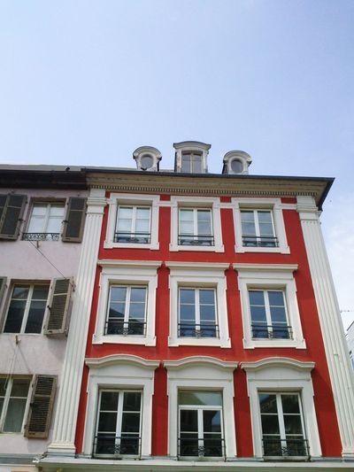 Petite balade à Mulhouse après un entretien pour le travail 4/4 Colorful Building Sunny Day Mulhouse City Tour