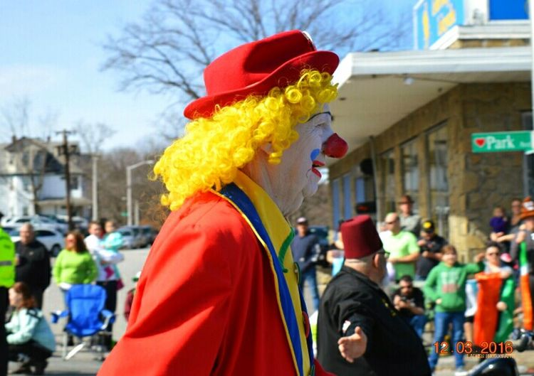 Check This Out Taking Photos Eyemphotography Eyem Gallery March Showcase Clown PARADE SEASON Parade Time Eyem Community L.Adkins Photography Spring Is In The Air Street Photography Marching Clown In Motion Urbanphotography