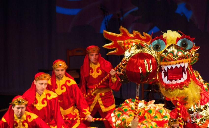 Dragon show
