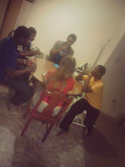 Hanging Out LOL With The Family Playing UNO