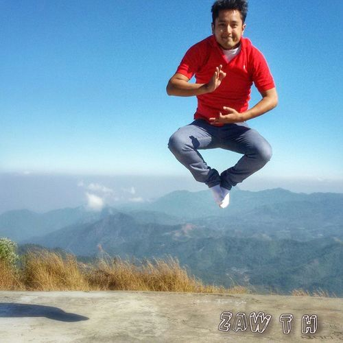 I'm reciting chants to hover over 7544ft mountain. Wingardium_Laviosa A_mi_tuo_fo Om_mani_padme_hum Om_namah_Shivaya Halleluya Waheguru DeevoReDeevo AnaElNaRetaNala Inshallah Hastalavista ဥဳံဖြ ၾကြေစ Galaxy_grand2 Zawth Igersmyanmar Igersmandalay Vscomyanmar Myanmarphotos Mogok Myanmar Mandalay Burma Mogoke