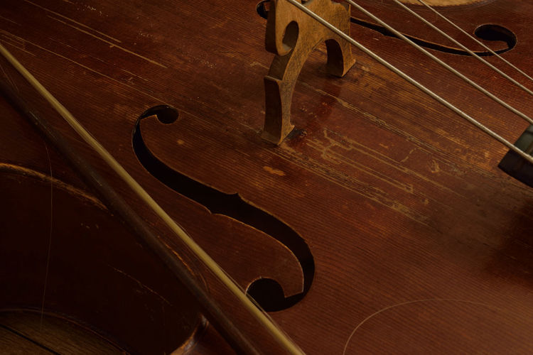 Music Cello Musical Instrument Wood - Material Arts Culture And Entertainment String Instrument Classical Music Musical Instrument String Brown No People Indoors  Close-up Instrument Maker Light And Shadow Exceptional Photographs Eye4photography  Getting Inspired From My Point Of View EyeEmNewHere The Week On EyeEm Taking Photos Long Exposure