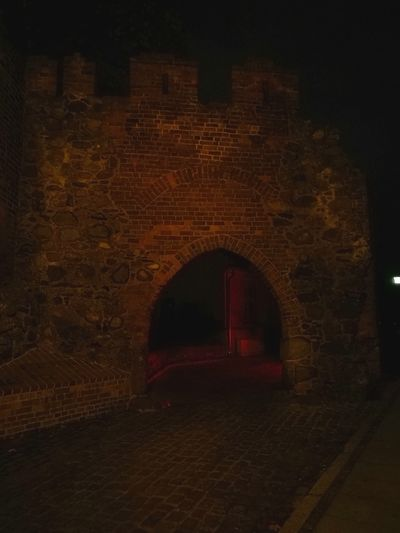 Architecture Gate Old Town Old Ruin Night Illuminated Travel Destinations Brick Building Red Huawei P9 Leica Tourism History Torun, Poland