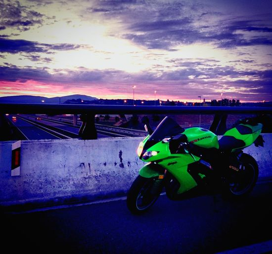 Kawasaki Zx10r Motorsport Motorbike Atardecer Arrow Ohlinssuspension Michelin Tire Sunset Sky Sony Xperia X Bask Country Vitoria / Gasteiz . Green Color No People Outdoors Tranquility Cielo Cloud - Sky Incréible Gas Be. Ready.