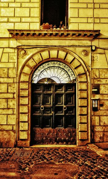 """Bella Porta"" - Roma Porta Door ArchitectureBuilt Structure Arch Building Exterior No People Entrance Entrance Portal Rome Roma Italia Outdoors Photobydperry"
