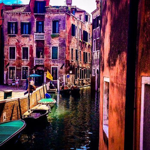 Capturing Freedom Gondols Venice Italia Picoftheday Cityscapes