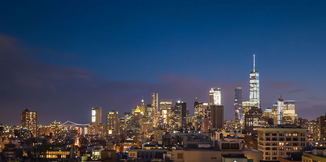 New york city panorama skyline at sunrise. manhattan office buildings