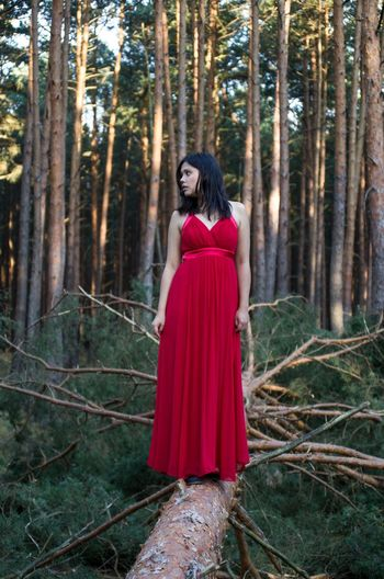 Forest Serious Adult Red Fashion Adults Only Only Women Young Adult One Person Standing Black Hair Young Women People Women Elégance Portrait One Woman Only Beautiful Woman Beauty Full Length