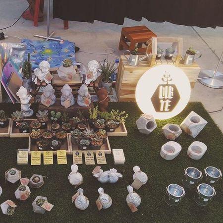 ร้านdib-te เปิด18.00-24.00น.ทุกเสาร์-อาทิตย์ งานกระถางปูนเแลือย หุ่นปูน ของแต่งบ้าน-แต่งสวน ใครสนใจไปดูสินค้าได้นะครับ กระถางปูนเปลือย ของแต่งบ้าน ของแต่งสวน หุ่นปูน Cactusthailand Cactusmagazine Cuctus Cactus Cactusclub Cactuslovers Dib_te DIY Design Style Loft Rustic Industrial Plants Plnter Garden Gardening