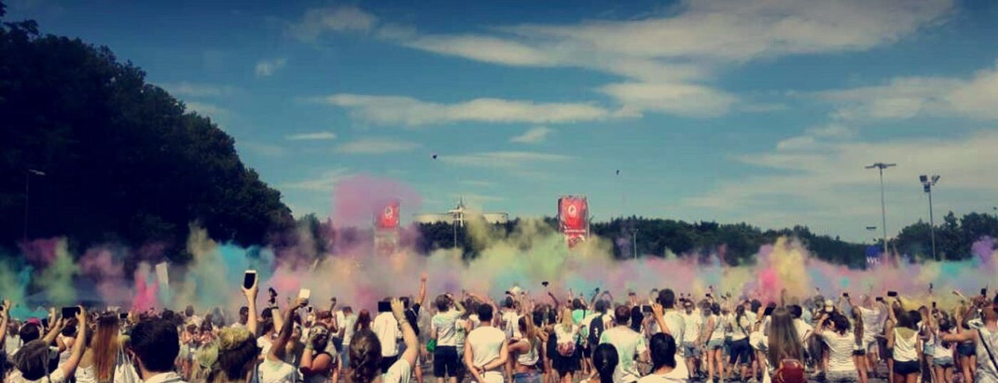 🌈🌈 Holifestivalofcolours Colourful Music Friends Summerfeelings Hotday