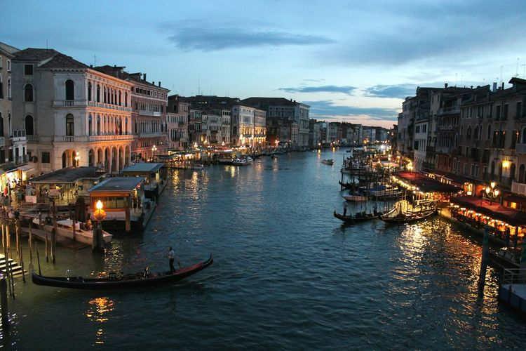 Venice, Italy Canal Twilight Dusk Reflection City Night Illuminated Gondola - Traditional Boat Bridge - Man Made Structure Travel Destinations Water Premium Outdoors Gondolier Nautical Vessel Cityscape Architecture PremiumArchitecture EyeEm Gallery Venice Venice Canals Premium Collection The Street Photographer - 2017 EyeEm Awards