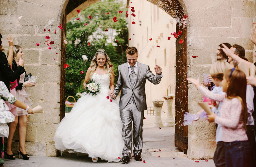 Adult Adults Only Bride Bridegroom Celebration Christmas Christmas Tree Confetti Day Friendship Group Of People Happiness Outdoors People Togetherness Tree Wedding Wedding Ceremony Wedding Dress Young Adult Young Women