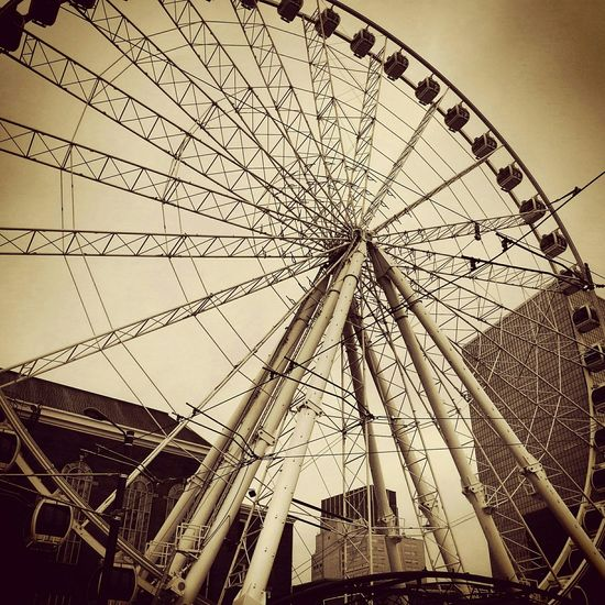 Shaping The Future. Together. Ferris Wheel Family❤ Roundandround