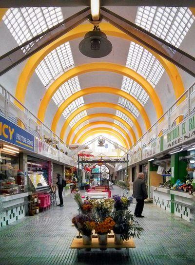 Mercado del Arenal Hanging Out Market Mercado Perspective Popular Market Colorful Streetphotography Edificios Y Fachadas Built Structure Architecture